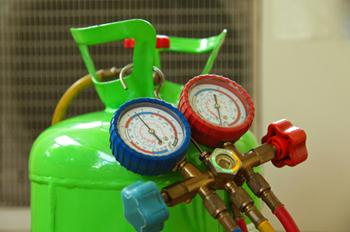 HVAC refrigerant leak